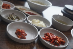 Banchan to whet the appetite before the dishes came