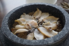 More wholesome goodness in this hot stone rice adorned with sliced abalone. Definitely more instagram-worthy ...